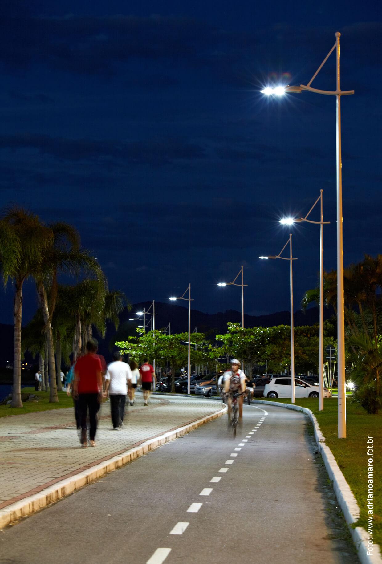 FLORIANÓPOLIS - LED - CICLOVIA BEIRA-MAR NORTE - FOT. ADRIANO AMARO