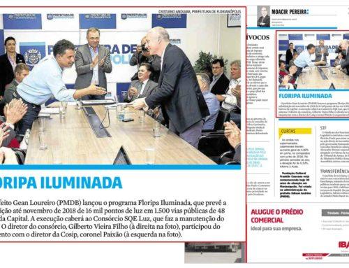Moacir Pereira registra encontro de Coronel Paixão, Gilberto Vieira Filho, diretor da SQE LUZ, e Gean Loureiro, prefeito de Florianópolis, no lançamento do programa Floripa Iluminada