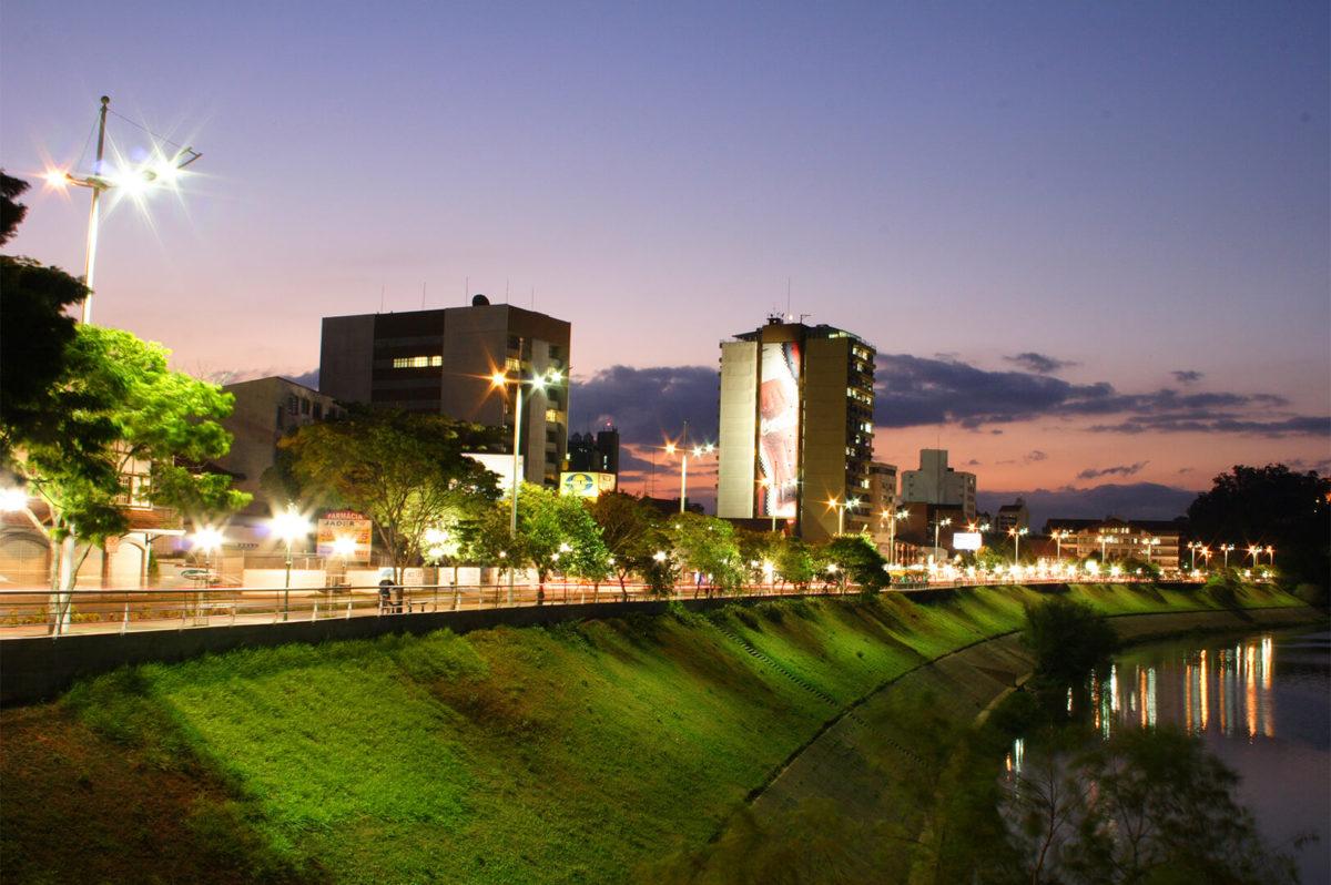 BLUMENAU - SC - AV BEIRA-RIO - FOT. LINO SASSE
